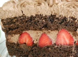 chocolatestrawberrycake10_little-house-dunes