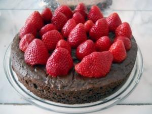 chocolatestrawberrycake4_little-house-dunes